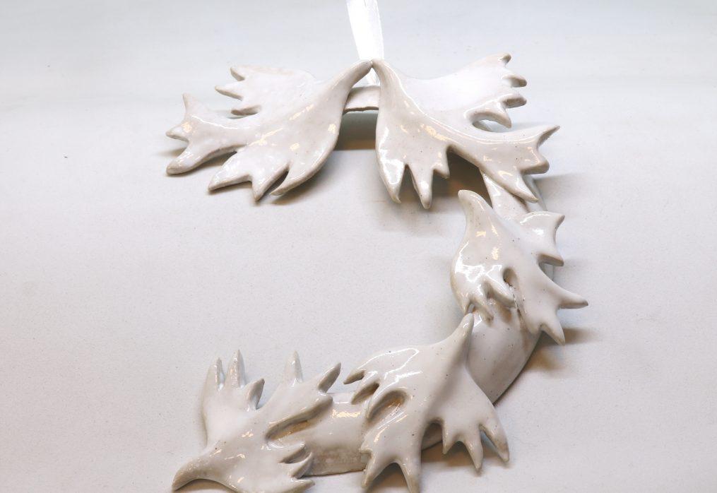 Indoor  White  Wreath
